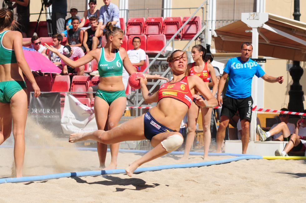 Balonmano playa femenino 1405220776_640140_1405220848_noticia_grande