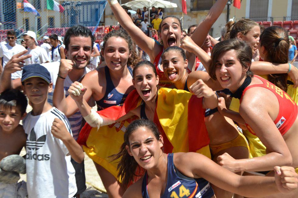 Balonmano playa femenino 1405303419_901911_1405303498_noticia_grande