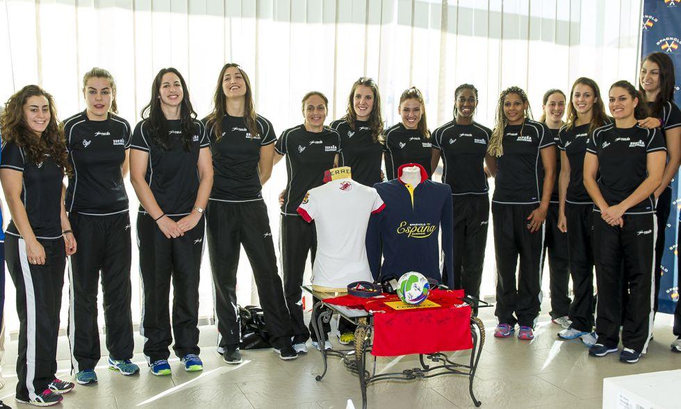 Selección Nacional femenina de Balonmano 2015 1417793111_951472_1417793295_noticia_grande