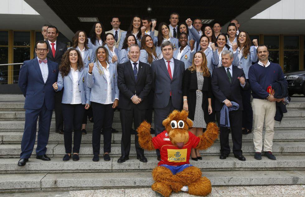 Selección Nacional femenina de Balonmano 2015 1417810035_631952_1417811241_noticia_grande