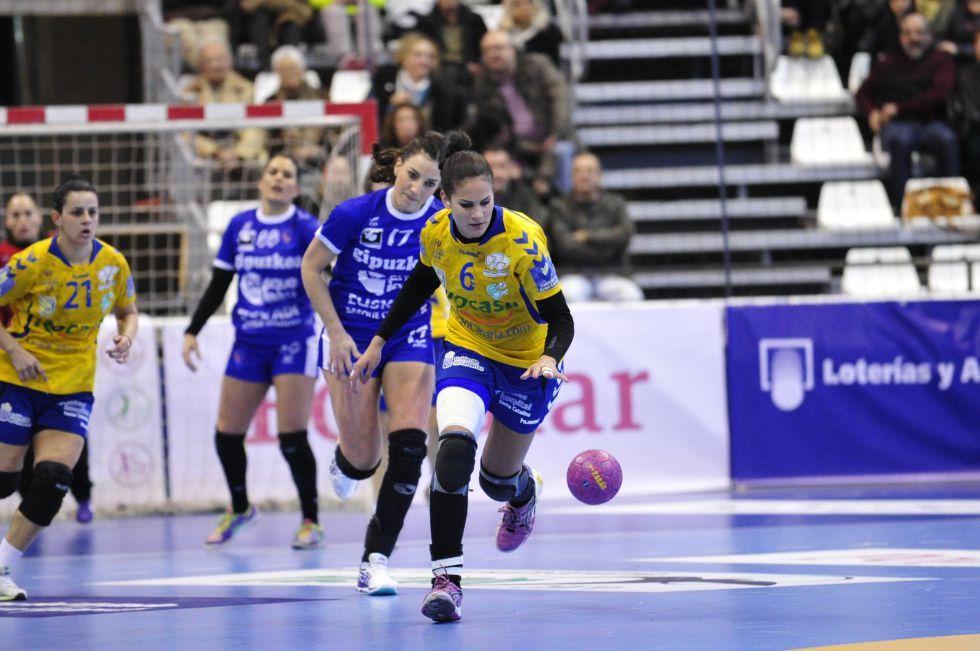 Liga Femenina balonmano 2015 1424793346_021634_1424793865_noticia_grande