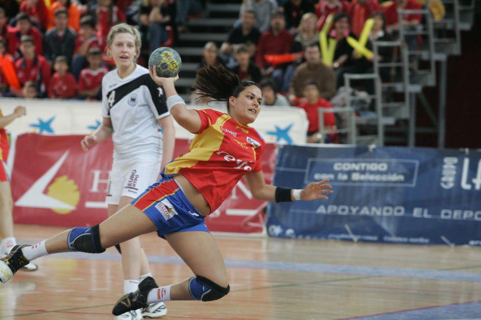 Liga Femenina balonmano 2015 1432053348_634380_1432053607_noticia_grande