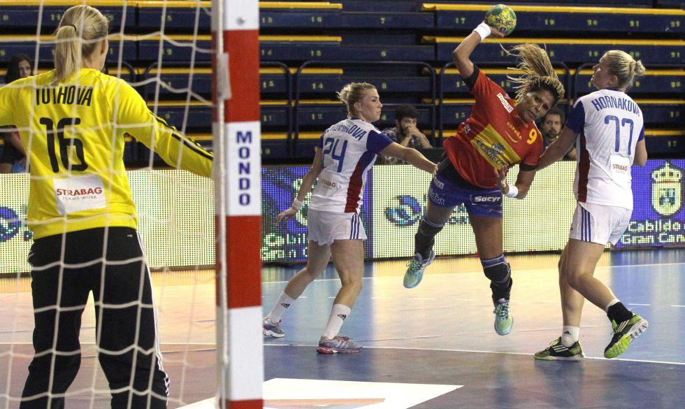 Selección Nacional femenina de Balonmano 2015 - Página 2 1434294966_423864_1434295233_noticia_grande