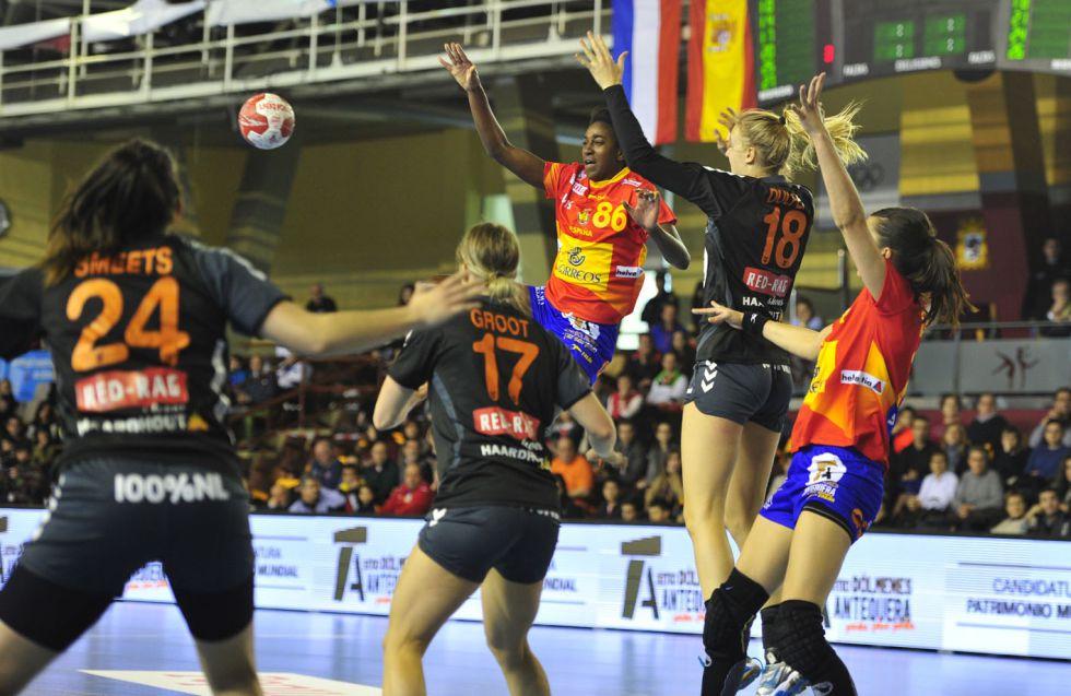 Selección femenina Balonmano 2016 1457794038_740415_1457794313_noticia_grande