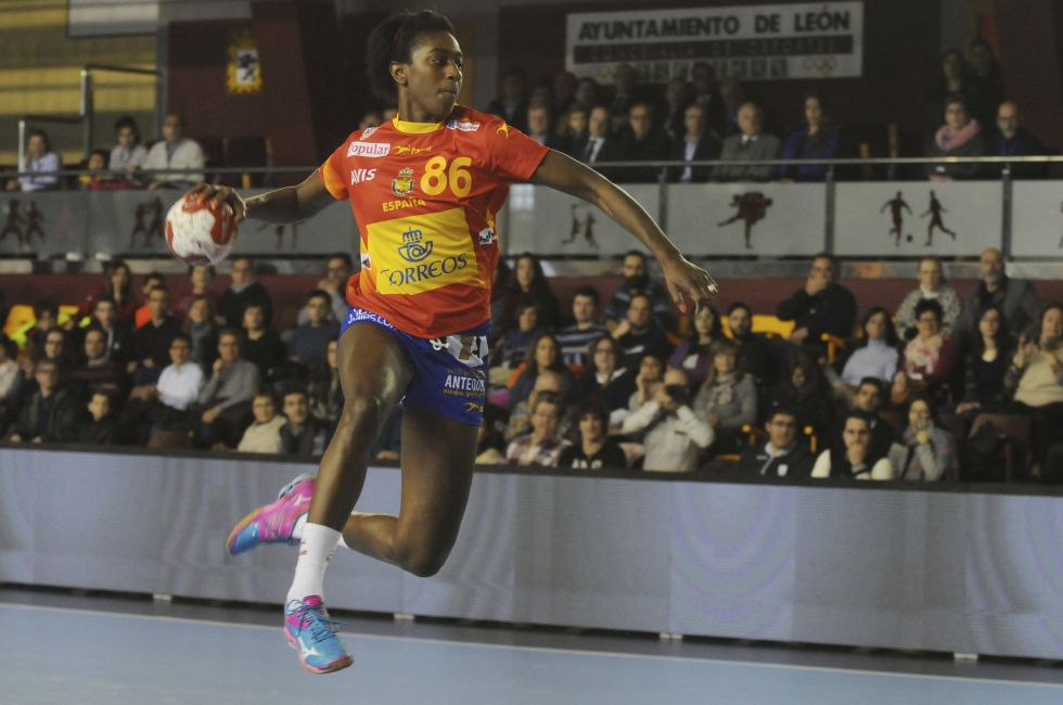 Selección femenina Balonmano 2016 1458251125_089321_1458253247_noticia_grande