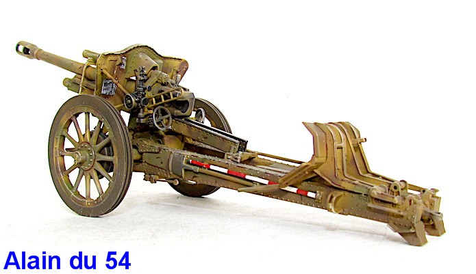 German 10.5cm LeFH18M Howitzer 1/35 AFV club IMG_2503
