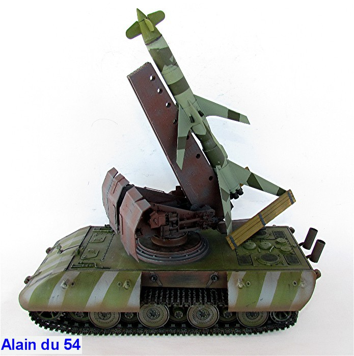 E-100 Panzer Weapon Carrier with Rheintochter R-1 1/35 Mix Amusing Hobby IMG_8707