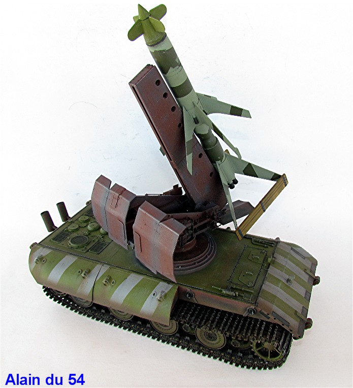 E-100 Panzer Weapon Carrier with Rheintochter R-1 1/35 Mix Amusing Hobby IMG_8710