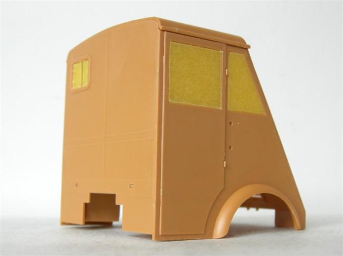 LastKraftWagen 3.5 T Ahn Ambulance Truck 1/35 ICM shelter sanitaire FINI DSCN0910