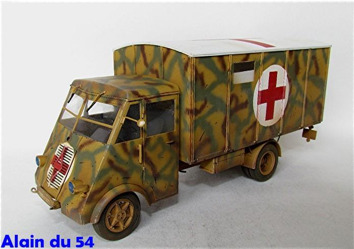 LastKraftWagen 3.5 T Ahn Ambulance Truck 1/35 ICM shelter sanitaire FINI - Page 2 AIMG_3425