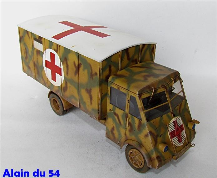 LastKraftWagen 3.5 T Ahn Ambulance Truck 1/35 ICM shelter sanitaire FINI - Page 2 AIMG_3434