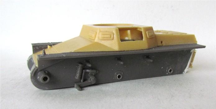 Panzer I Ausf A 1/35 Conversion base Azimut/ADV + boîte à rabiot. FINI IMG_3011