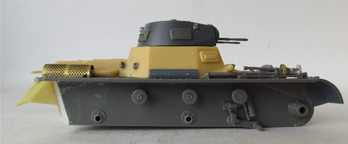 Panzer I Ausf A 1/35 Conversion base Azimut/ADV + boîte à rabiot. FINI IMG_3014
