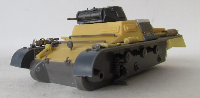 Panzer I Ausf A 1/35 Conversion base Azimut/ADV + boîte à rabiot. FINI IMG_3015