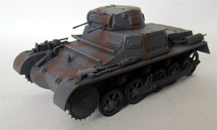 Panzer I Ausf A 1/35 Conversion base Azimut/ADV + boîte à rabiot. FINI IMG_3174