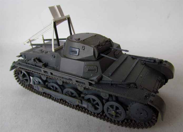 Ladungsleger auf Panzerkampfwagen I Ausf  B  1/35 Italeri et scratch FINI IMG_3044
