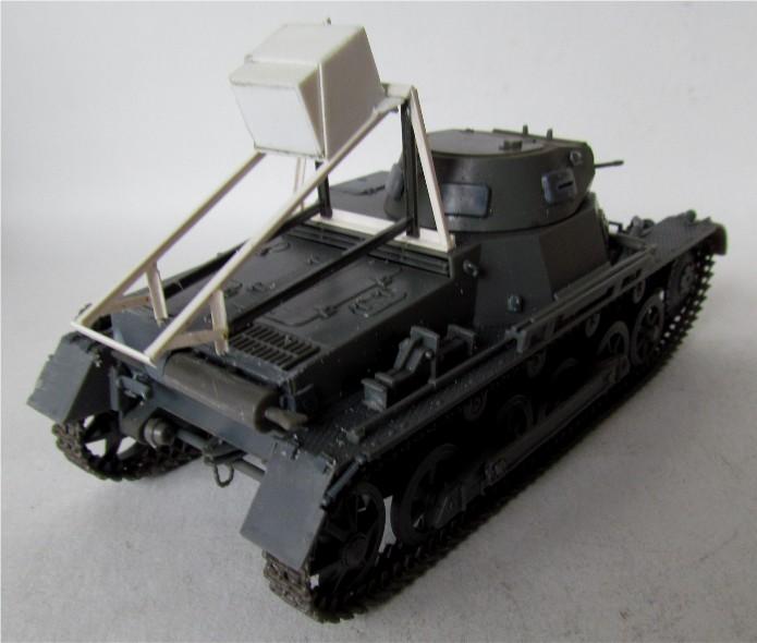 Ladungsleger auf Panzerkampfwagen I Ausf  B  1/35 Italeri et scratch FINI IMG_3046