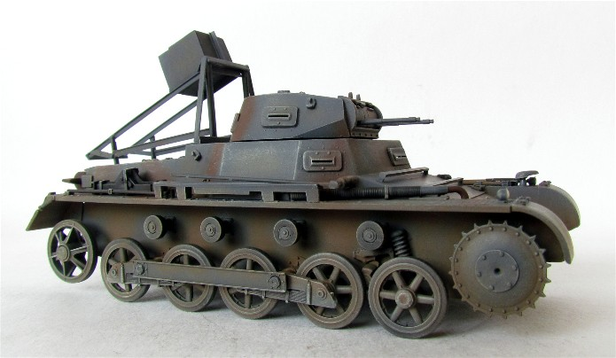 Ladungsleger auf Panzerkampfwagen I Ausf  B  1/35 Italeri et scratch FINI IMG_3163