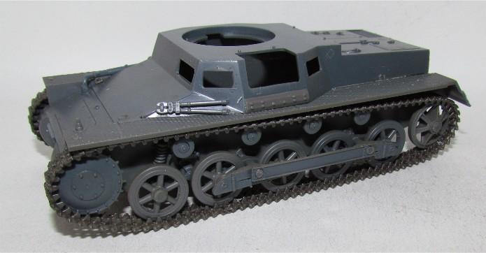 Panzer I Ausf. B mit Wurfrahmen 40 1/35 base Italeri + Tamiya FINI IMG_3033