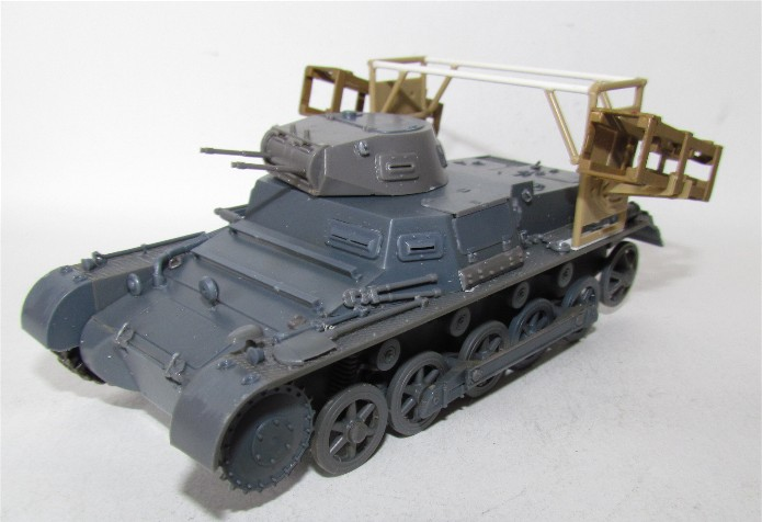 Panzer I Ausf. B mit Wurfrahmen 40 1/35 base Italeri + Tamiya FINI IMG_3036