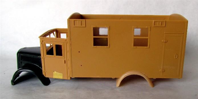 Opel Blitz cabine bois shelter transmissions 1/35 Boîte à rabiot camo trois tons/hiver FINI IMG_1214