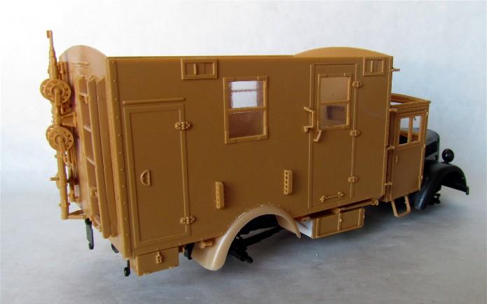 Opel Blitz cabine bois shelter transmissions 1/35 Boîte à rabiot camo trois tons/hiver FINI IMG_1251