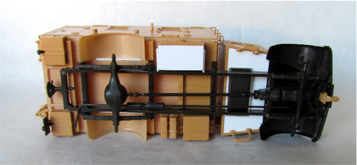 Opel Blitz cabine bois shelter transmissions 1/35 Boîte à rabiot camo trois tons/hiver FINI IMG_1252