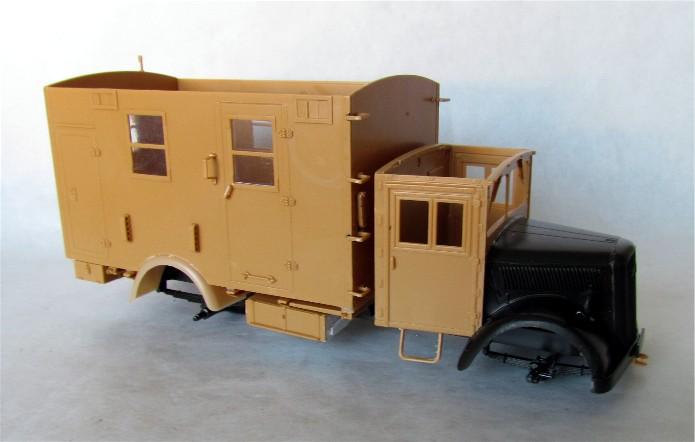 Opel Blitz cabine bois shelter transmissions 1/35 Boîte à rabiot camo trois tons/hiver FINI IMG_1253