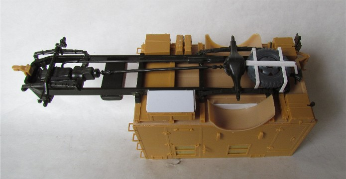 Opel Blitz cabine bois shelter transmissions 1/35 Boîte à rabiot camo trois tons/hiver FINI IMG_1521