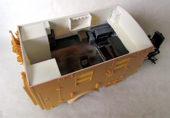 Opel Blitz cabine bois shelter transmissions 1/35 Boîte à rabiot camo trois tons/hiver FINI - Page 2 IMG_1557