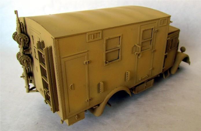 Opel Blitz cabine bois shelter transmissions 1/35 Boîte à rabiot camo trois tons/hiver FINI - Page 2 IMG_1580