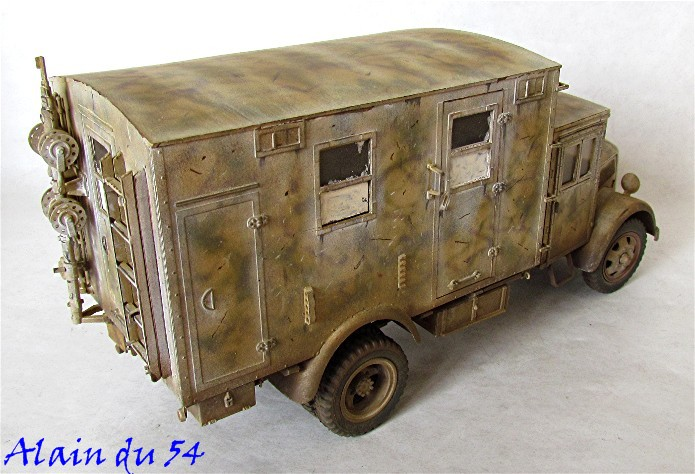 Opel Blitz cabine bois shelter transmissions 1/35 Boîte à rabiot camo trois tons/hiver FINI - Page 3 Sm_1672