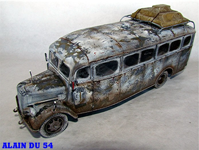 Opel 3.6-47 Omnibus  1/35 Roden  FINI - Page 3 SM_1138