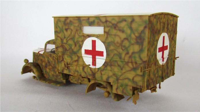 Typ 2,5-32 Shelter ambulance truck 1/35 ICM  FINI - Page 2 IMG_2494
