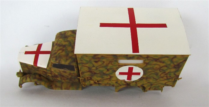 Typ 2,5-32 Shelter ambulance truck 1/35 ICM  FINI - Page 2 IMG_2496