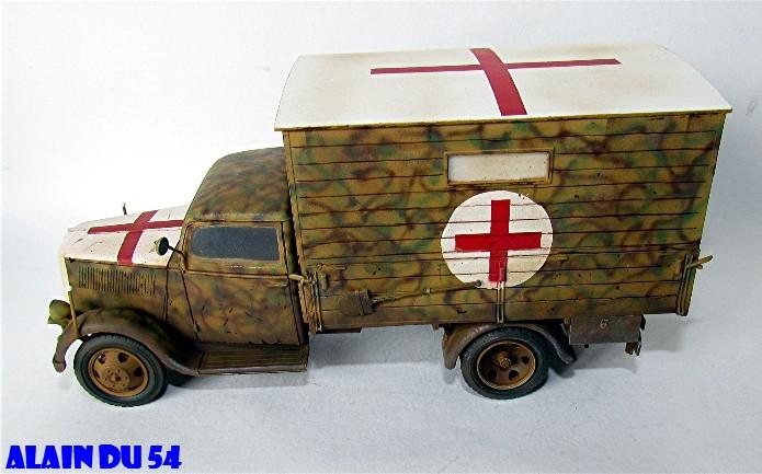 Typ 2,5-32 Shelter ambulance truck 1/35 ICM  FINI - Page 2 SM_2623
