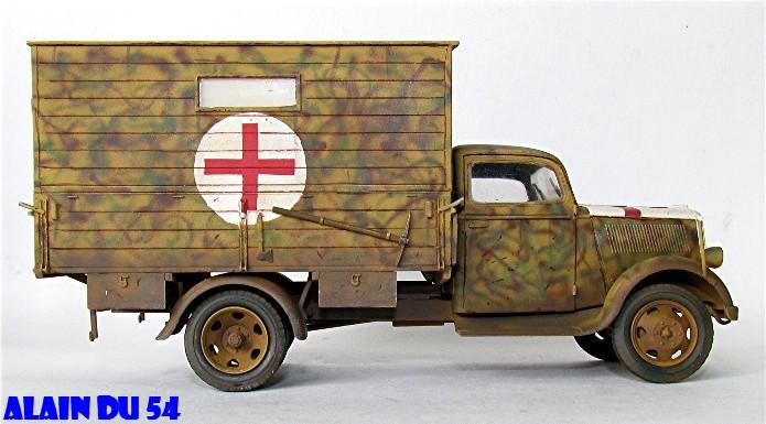Typ 2,5-32 Shelter ambulance truck 1/35 ICM  FINI - Page 2 SM_2627