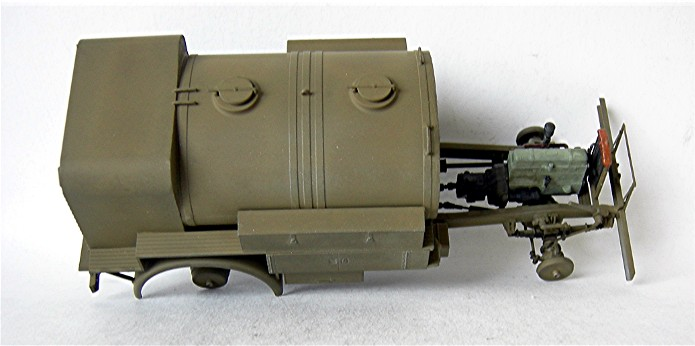 CHEVROLET C60S Petrol tank N°13 Cab & N°12 Cab version 1/35 IBG Models FINI - Page 2 DSCN0856