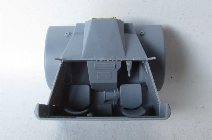 CHEVROLET C60S Petrol tank N°13 Cab & N°12 Cab version 1/35 IBG Models FINI IMG_3317