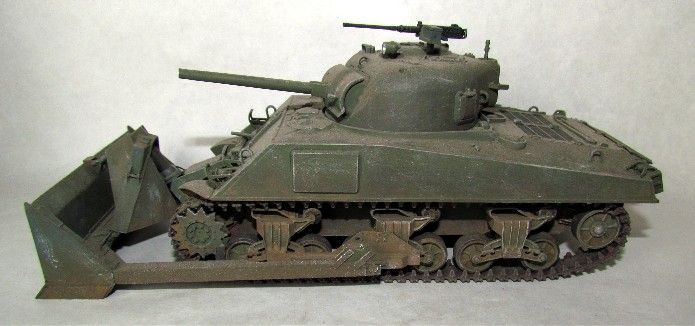 Sherman M4A3 ex dozer ( italeri, academy, eduard ) au 1/35eme IMG_1559