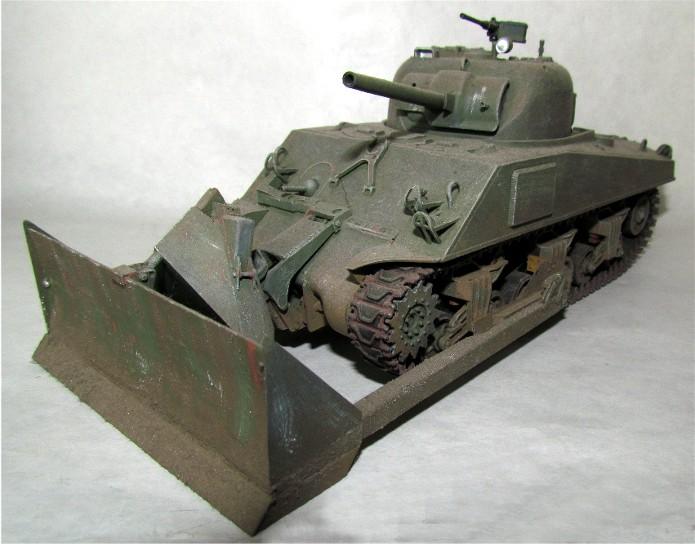 Sherman M4A3 ex dozer ( italeri, academy, eduard ) au 1/35eme IMG_1560