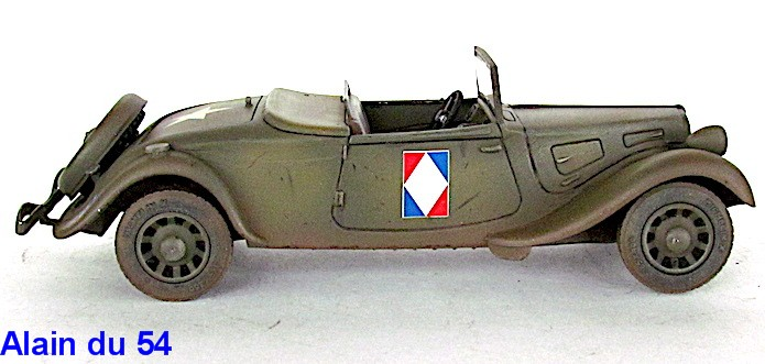 Citroën 11 Légère 1/32 Matchbox IMG_75371