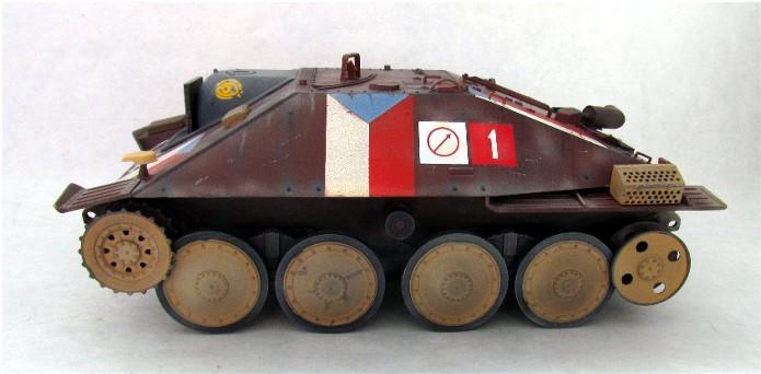 Jagdpanzer 38(t) Hetzer Prague 1945 academy 1/35 FINI - Page 2 001