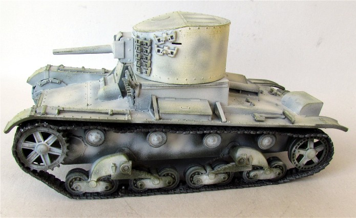 T-26/BT-2  mix Zvesda/Tom/RPM 1/35 FINI - Page 2 IMG_2979