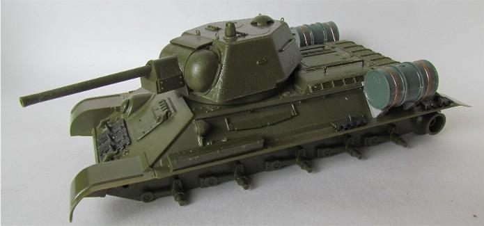 T-34 76mm Mle 43 rouleaux déminage 1/35 Zvezda FINI IMG_4592