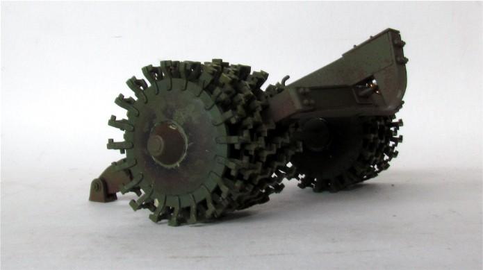 T-34 76mm Mle 43 rouleaux déminage 1/35 Zvezda FINI IMG_4601