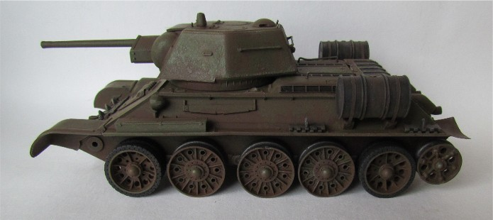 T-34 76mm Mle 43 rouleaux déminage 1/35 Zvezda FINI IMG_4621