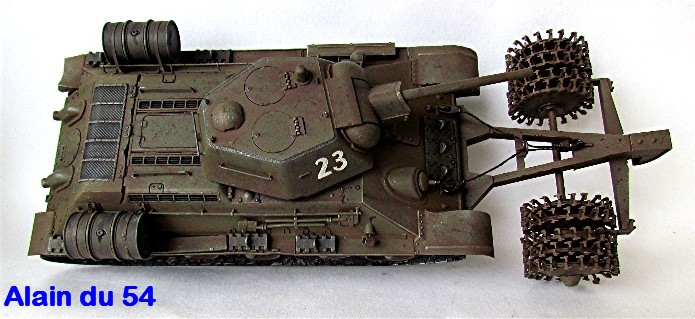 T-34 76mm Mle 43 rouleaux déminage 1/35 Zvezda FINI - Page 2 IMG_4649