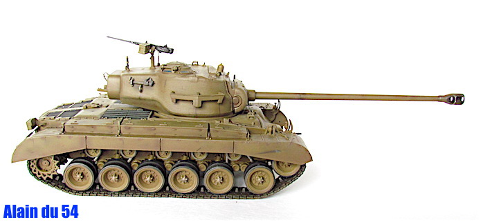 T26E4 PERSHING Late Production Hobby Boss 1/35 FINI - Page 2 IMG_4567