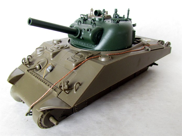 SHERMAN M4 105 MM 1/35 conversion châssis Tamiya et tourelle Accademy FINI IMG_0545